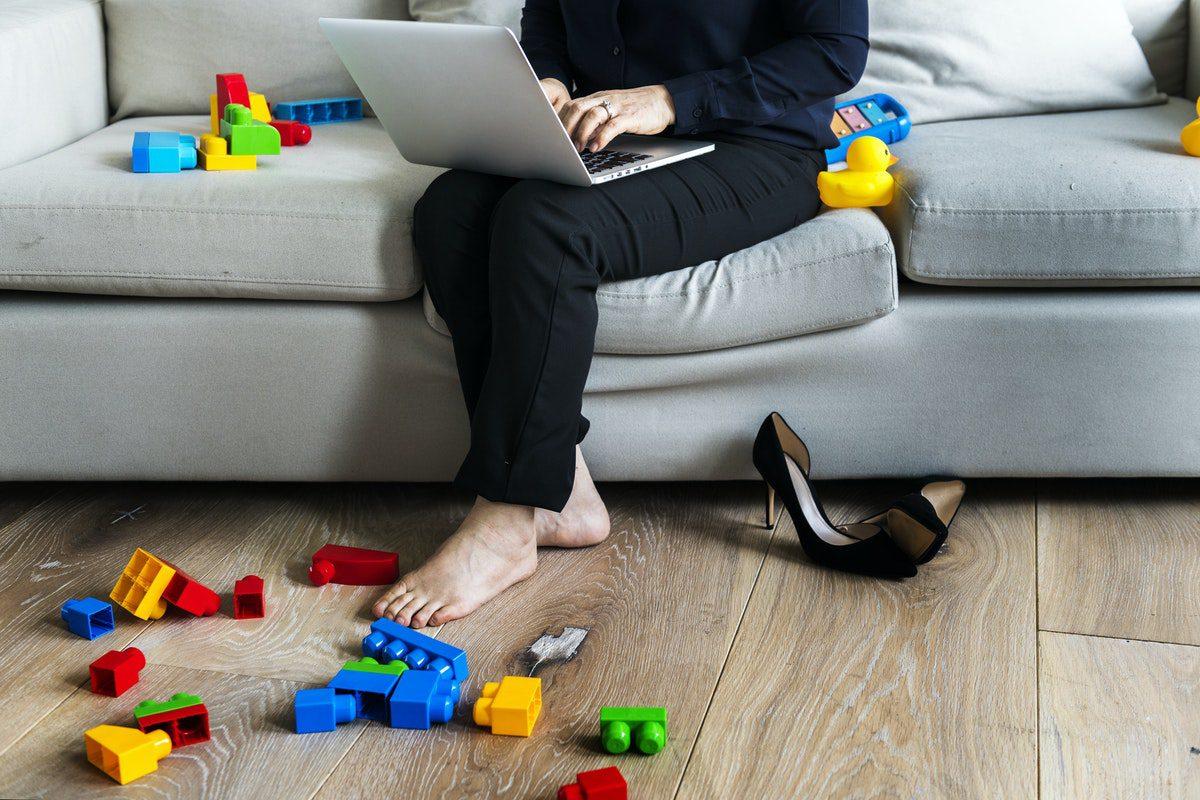 Las ventajas e inconvenientes de emprender en internet cuando eres madre